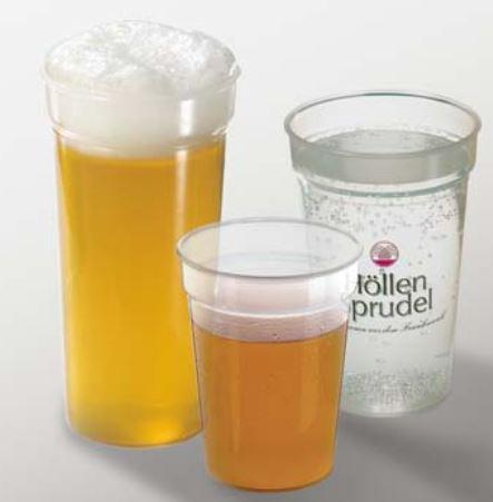 Trinkbecher aus bruchstabilem Kunststoff in drei unterschiedlichen Größen