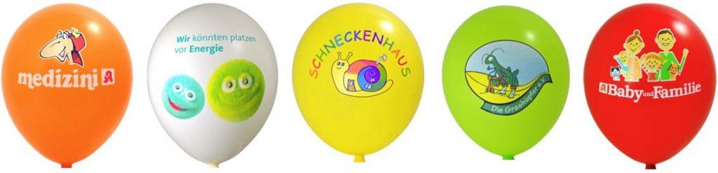 Luftballons mit bunten Werbe-Motiven