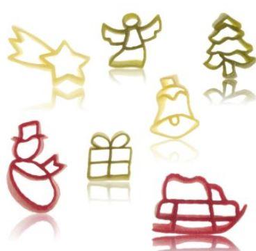 Nudeln in Weihnachtsmotiven